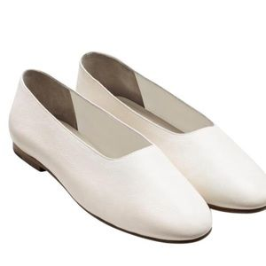 Vince MAXWELL Cream Italian Leather Ballet Flats 9